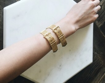 1980's Dead Stock Vintage Gold Mesh Buckle Bracelet