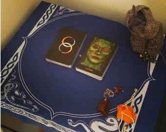 New Moon Tarot Spread - Card Reading
