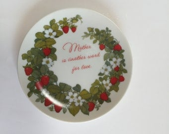 CERAMIC PLATE for MOM, plate with strawberries, Mother's Day gift, Mother's Day plate, decorative ceramic plate,Gibson plate,Mother and Love