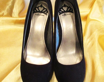 """Fergalicious By Fergie Stunning Black Suede Pumps Style """"Dreamer"""" Size 6.5M - Great Find and Great Price!"""