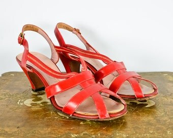 1930s Palter Deliso Debs Red Strappy Heels
