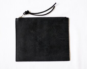 FLAT POUCH Onyx Black • Zippered Leather Case