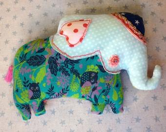 Clairvoyant elephant