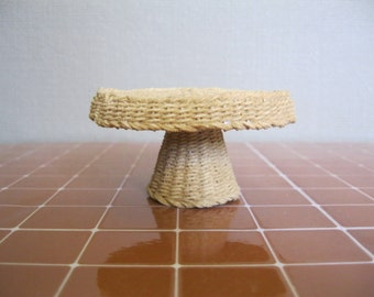 "Roundtable ""Wicker"" in scale 1/12, Dolls House"