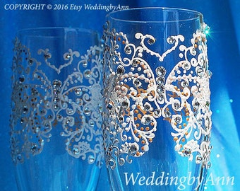 Ivory Gold Butterfly Wedding Toast Glasses, Wedding Champagne Flutes, Bride and Groom champagne flutet, Wedding glasses, Bridal Shower gift