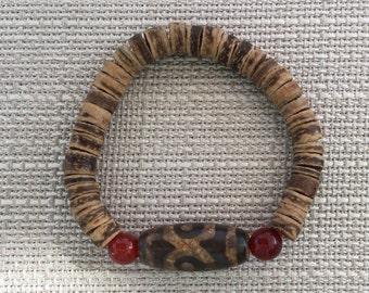 Tibetan agate, carnelian and wood bracelet