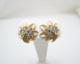 Beautiful Crown Trifari Gold Tone and Clear Stone clip-on Earrings