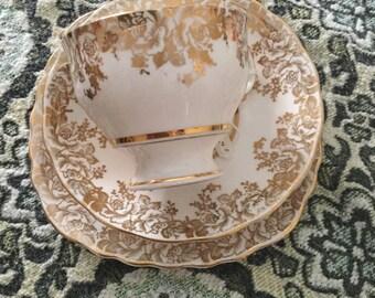 Beautiful 22crt gold finnished English fine china trio