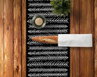 Geometric Table Runner, Black and white table runner, black and white dining room decor, Modern table runner, Geometric Kitchen Decor