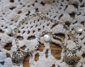 Handcrafted Designer Mother of Pearl Tree of Life Charm 925 Sterling Silver Bracelet  8 Inches Long, 6 Grams