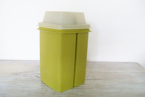 Pickle Keeper Tupperware Vintage Storage 1970s Olive Green Body with Clear Lid  1330-7