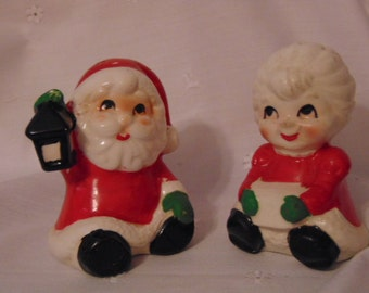 Christmas Salt Pepper Shakers, Santa & Mrs. Clause, Vintage 1950s, Ceramics, MIJ