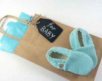 Baby Shower Gift- Newborn Shoes - Baby Boy Shoes - Baby Girl Shoes - Baby Gift - Pregnancy Gift- Newborn Photography- Baby Booties - Layette