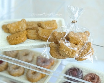 Miniature Food Biscuit Biscuits Cookies Cookie Bakery Pastry, Rilakkuma Bear, 1:6, 1/4 scale Doll Fake Food, Blythe Barbie bjd yosd dollfie