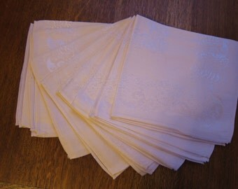 8 Vintage peachy pink cotton blend damask luncheon 16 inch square napkins, never used