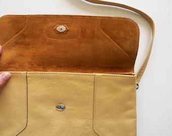 SALE vintage mustard yellow leather handbag