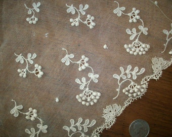 3-dimensional lace with yardage