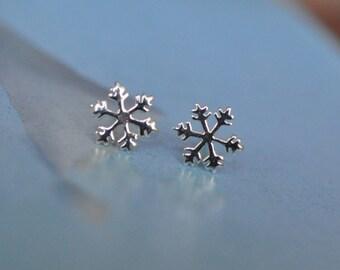 Sterling Silver Snow Flake Earrings / Snowflake Stud Earrings / Christmas Stud Earrings Sterling Silver 925