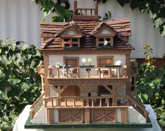 Large Victorian Bird House