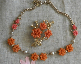 Vintage pink rose necklace and brooch set from 1950s