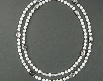 Pearly Necklace (Pearl Necklace: Pearl White and Pearly black)
