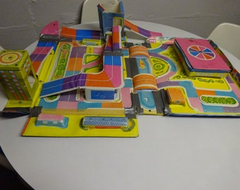Vintage 1960's Matchbox City Playset & Carrying Case - FREE SHIPPING
