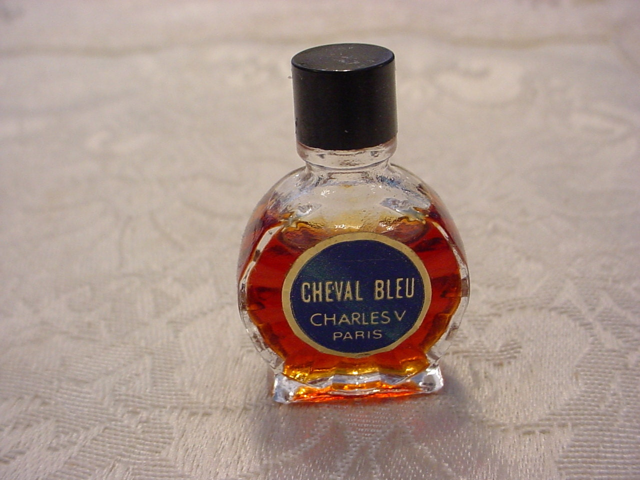 VINTAGE Guerlain Atuana Parfum Flakon mit OVP, versiegelt