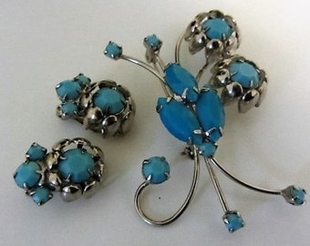Vintage Mid Century Cottage Chic Turquoise Rhinestone Silver Brooch Earring Deme Flower design Set Unsigned Beauty
