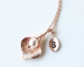 Rose gold calla lily necklace, Bridesmaid gift, Bridal necklace, Rose gold necklace, Nature jewelry, Forest jewelry, Dainty Delicate jewelry
