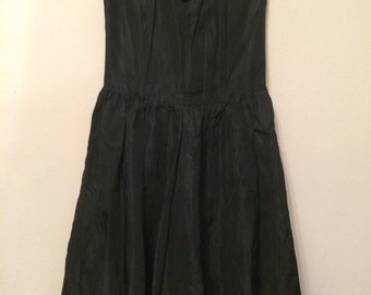 80s gothic sweetheart bust dress