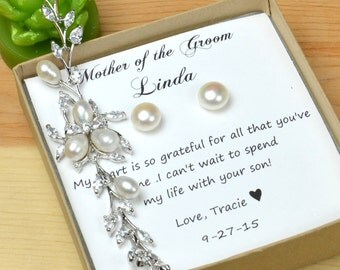 Mother of the Groom Gift from bride Mother of Groom gift set  wedding jewelry Thank you gift to mother of the groom pearl earrings bracelet