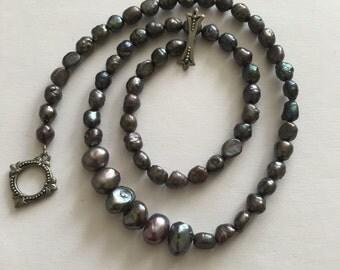 Vintage black pearl beaded necklace