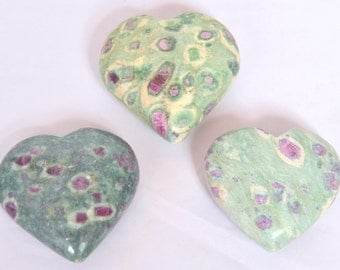 Ruby Zosite Puffy Hearts (57x25 mm)