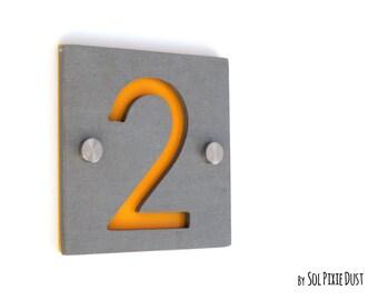moderne hausnummern rechteck beton mit von solpixiedust. Black Bedroom Furniture Sets. Home Design Ideas