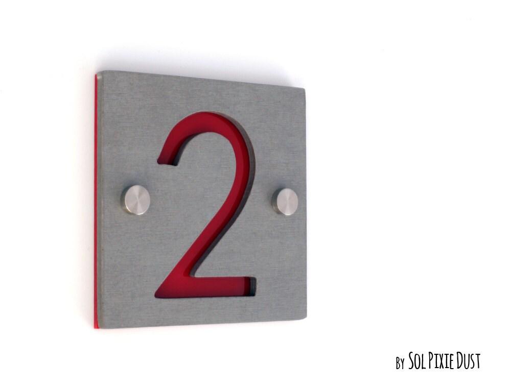 num ros de maison moderne un nombre carr b ton avec de. Black Bedroom Furniture Sets. Home Design Ideas