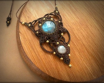 Goddess Macrame necklace with Labradorite, Rainbow Moonstone and Gold-Plated beads * Intuitive Jewelry *
