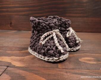 Crocheted booties bamboo