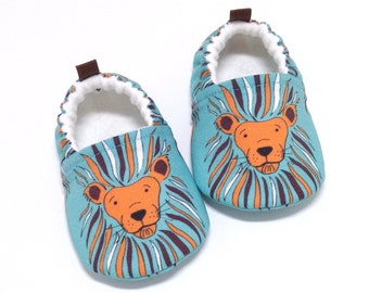 Lion Baby Shoes, Soft Sole Baby Shoes, Baby Booties, Baby Shower Gift, Toddler slippers, aqua baby shoes, lions