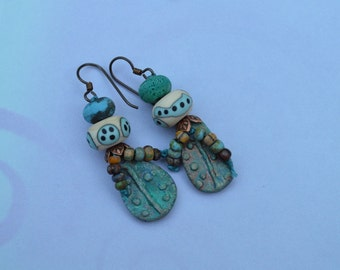 Boho lampwork earrings - AtHomeinToas - DayLilyStudio