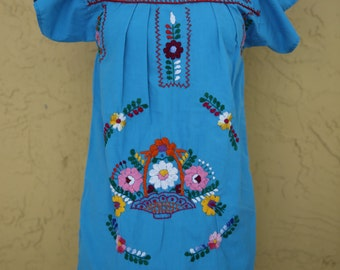 Vtg 60s 70s Oaxacan Mexican Embroidered Floral Flower Dress Tent Dress Tunic Women's Junior Blue