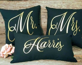 Mr and Mrs Pillow Set | Mr and Mrs Pillows | Bridal Shower Gift | Wedding Gift | Anniversary Gift | Gift for Bride and Groom | Family Name