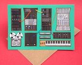 Grüne modularen Synthesizer Synthesizer A6 Grüße Karte Original Illustration Hand fertig nähen Retro Synths Tastatur Musik Musiker Details