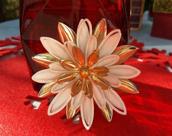 Sarah Coventry Water Lily Brooch