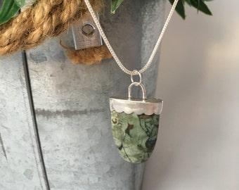 Green varascite pendant