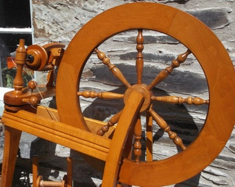 Ashford Traditional Spinning Wheel (4)