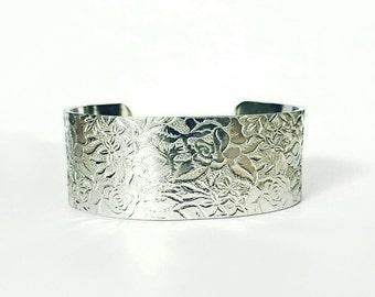 Hand stamped floral cuff bracelet. Vintage bangle. Boho cuff. Beach wedding jewellery. Bridesmaid gift. Wife anniversary. Daughter birthday.