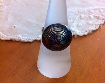 Unique silver-look button ring