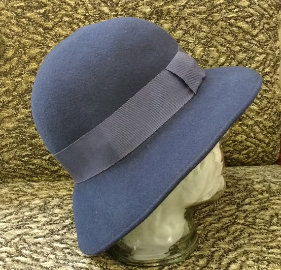 Vintage Dark Blue Hat Wide Rim Cloche Hat with Ribbon