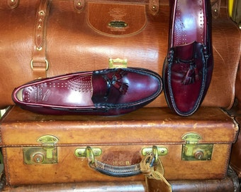 G.H. Bass & Co Weejuns Men's Oxblood Burgundy Leather Kiltie Tassel Loafers Slip On Shoes Size 9D--Made in the Usa