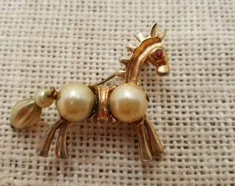 Horse With Saddle Brooch With Faux Pearls Rhinestone Metal